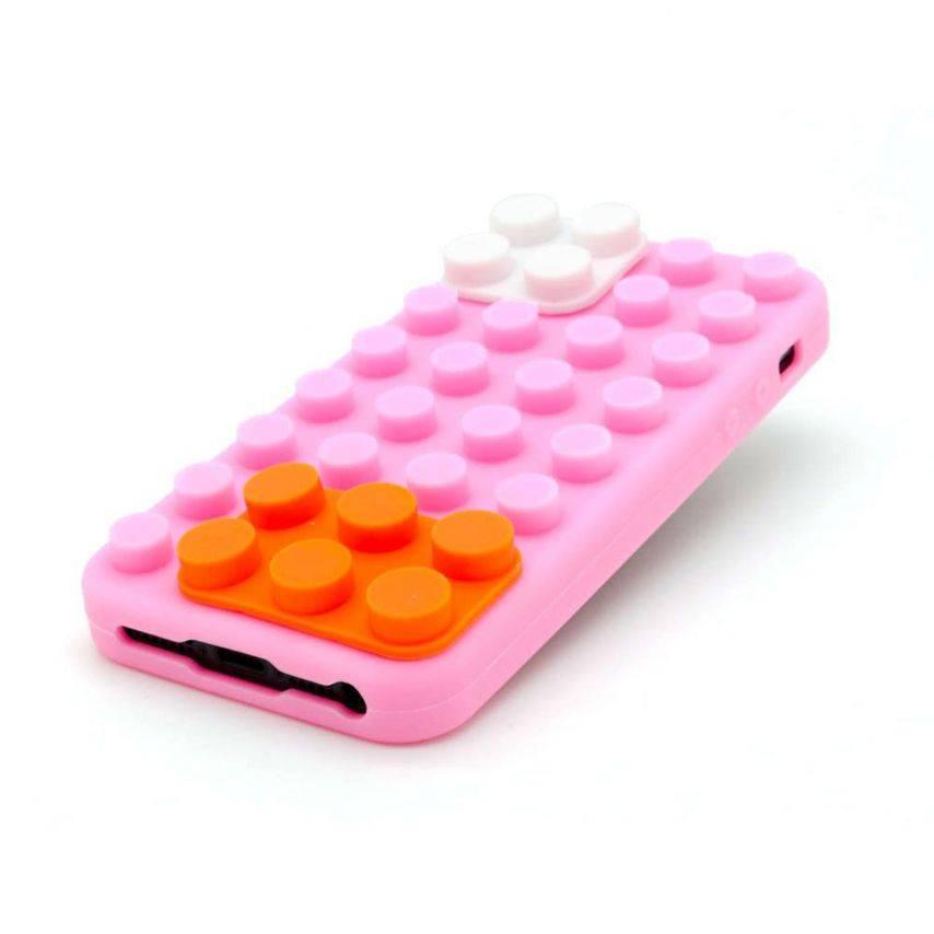 """Bloques de diseño """"LEGO"""" del casco rosa, naranja y blanco iPhone 5"""